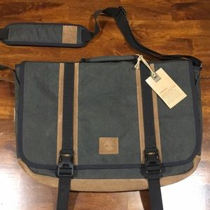Timberland Richmont Water-resistant Messenger Bag